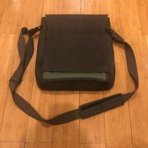 Waterfield Leather Large Muzetto Vertical Messenge
